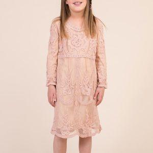Holly girls lace dress NWOT size Large